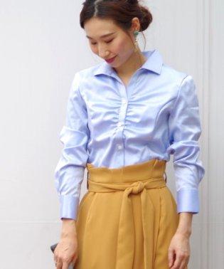 【TVドラマ着用】コットンツイル胸ギャザースタンドカラー長袖シャツ