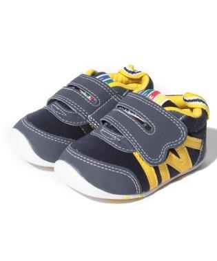 【ヨチヨチ歩きをサポートする】ファーストシューズ22‐6704子供靴