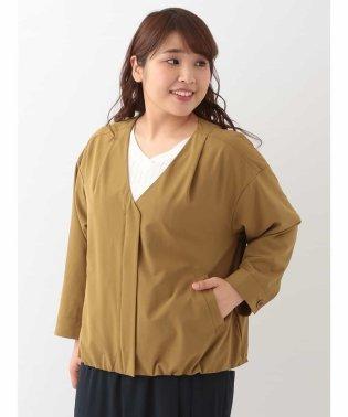【大きいサイズ】Vネックジップアップジャケット