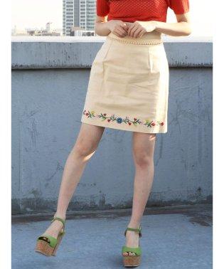 フラワーヘム刺繍ミニスカート