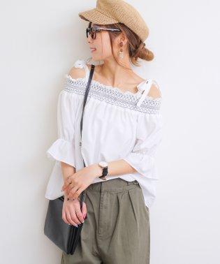 【B-12】オフショルダー 刺繍 ブラウス リボン ボリューム袖