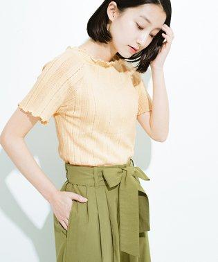 スカートにもパンツにも合う ぴったりめがかわいい透かし柄ニット