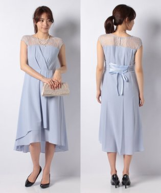 パールネックレス付きヨークレースドレス