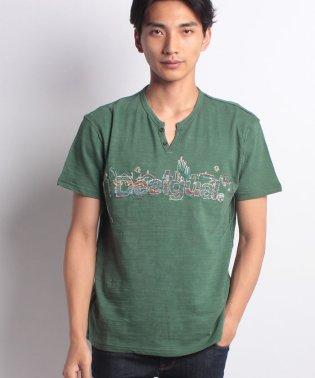 「Desigual/デシグアル」半袖VネックTシャツ