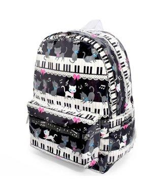リュックサック(チェストベルト付き) ピアノの上で踊る黒猫ワルツ(ブラック)