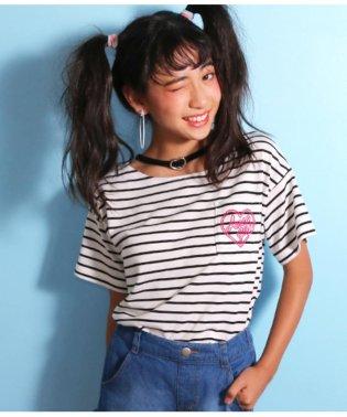 チョーカー風ポケットTシャツ