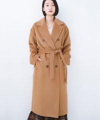女っぽくもかっこよくも着られる ウエストベルト付きロングコート