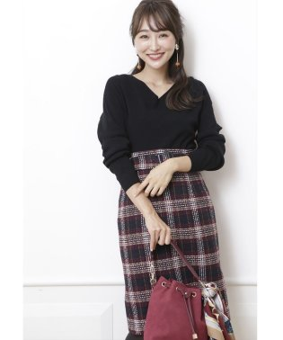 【andGIRL 11月号掲載】ロービングチェックタイトスカート