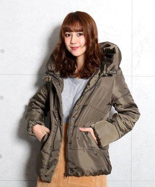 中綿入りバックネックリボン風衿のコート