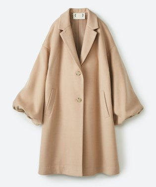 ギリギリ女子の防寒で終わらず華やかにいけるんちゃうか 袖ぷっくりチェスターコート