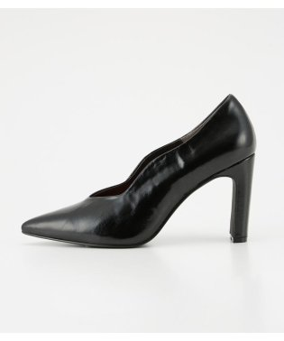 CURVE POINTED PUMPS
