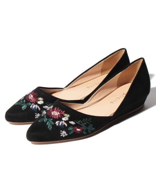 EMBROIDERY POINTED FLAT SHOES