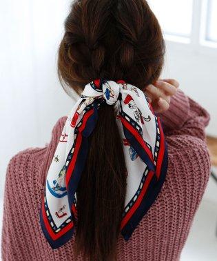 木馬柄シルクスカーフ