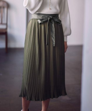 合皮ベルト付プリーツスカート