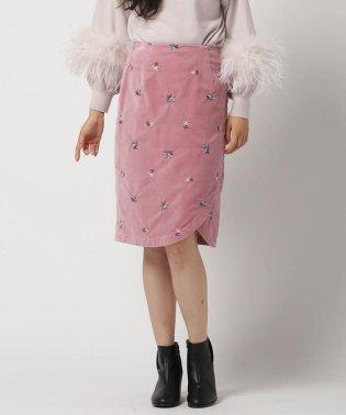 ベッチン刺繍タイトスカート