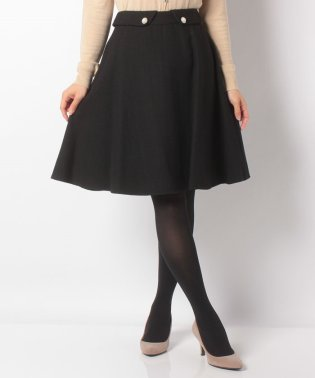 カルゼパールボタン付きフレアスカート