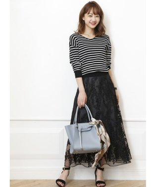 リーフ刺繍ロングフレアスカート
