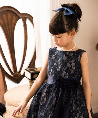 令嬢テイストのアンティークレースドレス