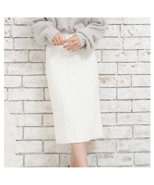 [ボトムス スカート]ボディにフィットできれいなライン ケーブルニットタイトスカート[181233]