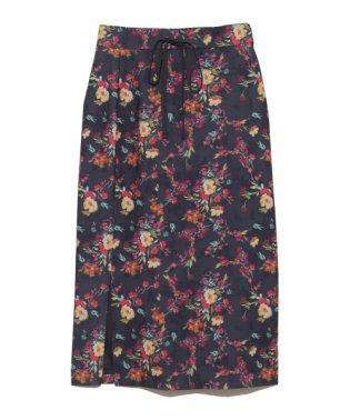 スリットデザインタイトスカート