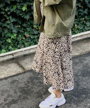 花柄ヘムフレアスカート
