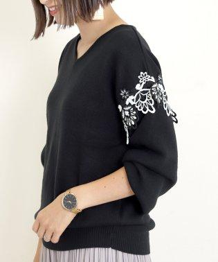 綿タッチ袖刺繍レースVネックプルオーバー