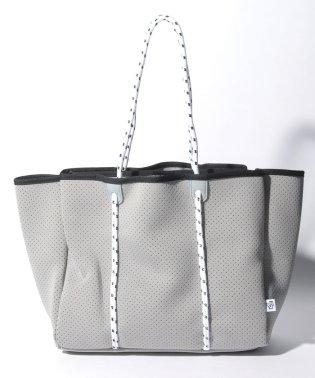 【Via Demizon ビアデミゾン】ウエットスーツ素材のパンチングトートバッグ
