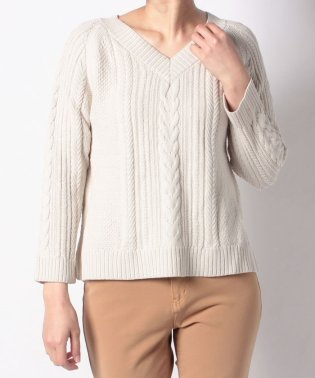 5Gケーブル Vネックセーター