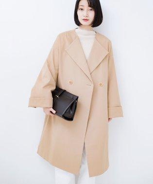 重ね着もできちゃうゆるシルエットで長ーーく着られるノーカラーコート