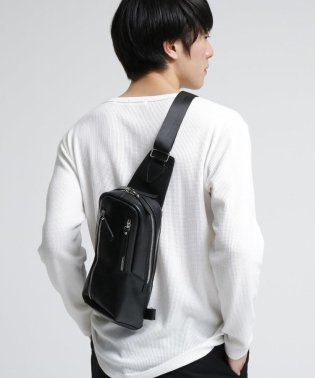 【WEB限定】レザー縦型ボディバッグ