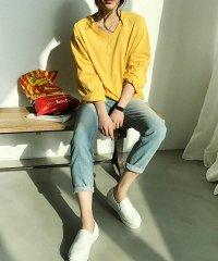 NANING9(ナンニング)Vネック長袖Tシャツ