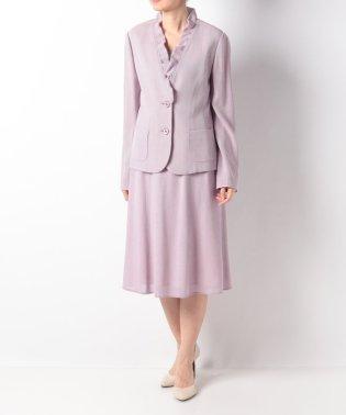 フリルネックジャケット×スカートスーツ
