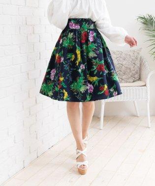 ひざ丈花柄フレアスカート