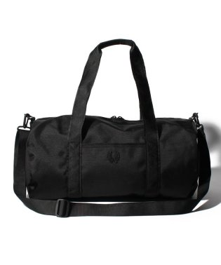 【FRED PERRY】FRED PERRY L3214 TONAL TRACK BARREL BAG BLACK