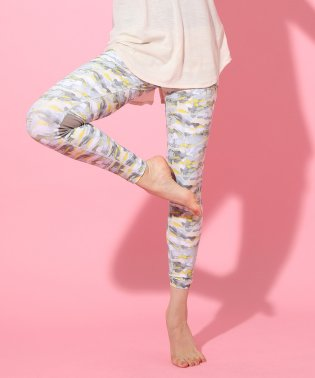 【yoga JOURNAL vol.64掲載】LIBERTY ART FABRICS プリントタイツ