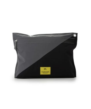 【Calvin Klein】EXTRA LARGE POUCH