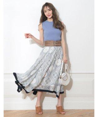 【美人百花5月号掲載】ベルト付きスカーフ柄スカート