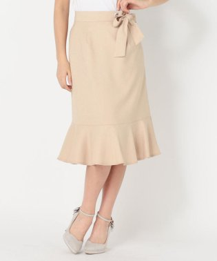 ハトメ使いペプラムスカート