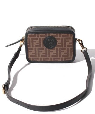 【FENDI】ショルダーバッグ/FENDI CAM MINI CAMERA CASE【MOGANO/BLACK】