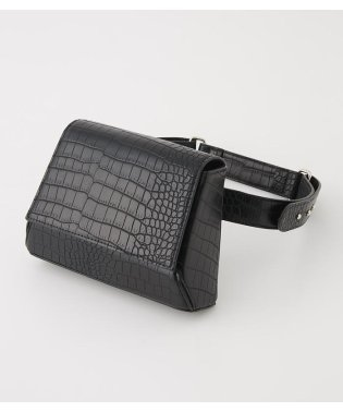 W BUCKLE BODY BAG