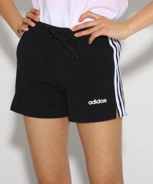 adidas スリーストライプショートパンツ