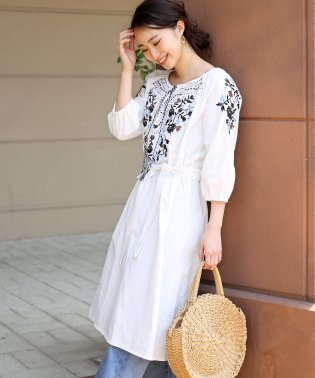 刺繍使いが印象的◆刺繍スモッグワンピース