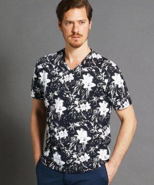ボタニカルプリント半袖Tシャツ