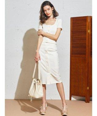 ビックボタンタイトスカート