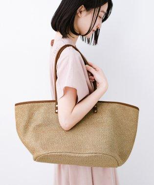 ピクニックにも毎日のおともにもざっくり入って便利な大きめトートバッグ