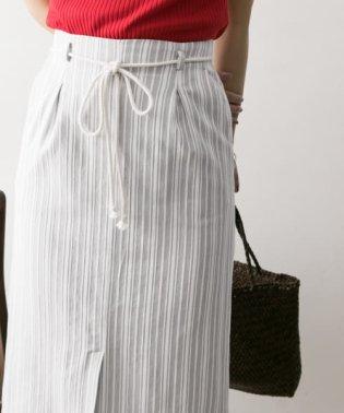 ストライプタックタイトスカート