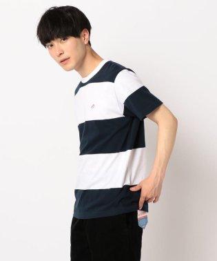ワイドボーダースニーカー刺繍Tシャツ