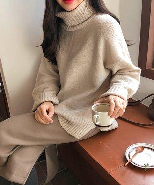 MICHYEORA(ミチョラ)ハイネックセーター-