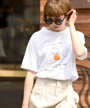 オレンジプリントTシャツ