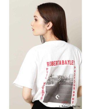Roberta BayleyロゴプリントTシャツ